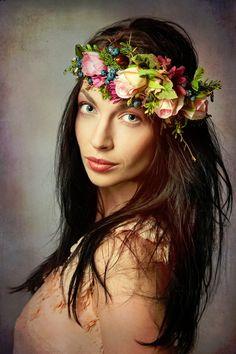 """Fiori per capelli - Fiore capo corona """"Regina della palla"""" - un prodotto unico di magaela su DaWanda"""