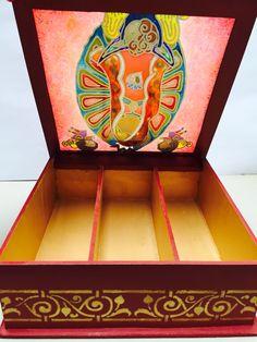 Caja de te en pintura vitral
