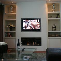 Strakke haard met tv