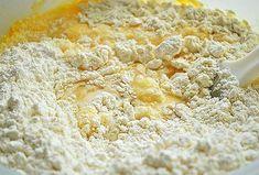 Πως να φτιάξεις νηστίσιμο κέικ με ινδοκάρυδο! | ediva.gr Vegan Sweets, Greek Recipes, Cooking, Desserts, Food, Pancake, Cakes, Kitchen, Tailgate Desserts