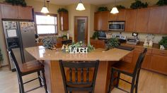 Great Kitchen Island with Granite and Stainless Steel Appliances!