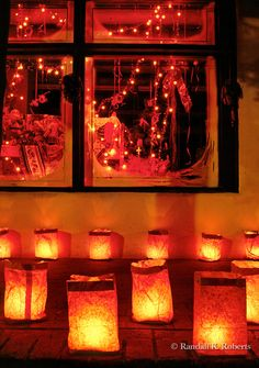 Last Trending Get all new mexico christmas decorations Viral i iqz ojq yfm New Mexico Style, New Mexico Homes, New Mexico Usa, Mexico Christmas, Christmas Eve, Christmas Lights, Christmas Ideas, Santa Fe Trail, Albuquerque News