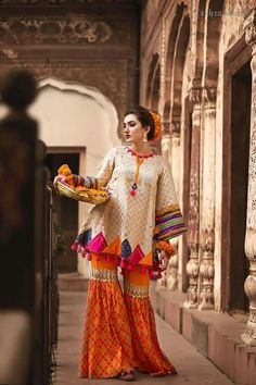 Zahra Ahmed Traditional Classic Dresses consists vintage dresses of Pakistani fashion all the dresses are designed with eye catchy colors. Let's check the complete collection. Pakistani Fashion Casual, Pakistani Wedding Outfits, Pakistani Dresses Casual, Pakistani Dress Design, Indian Outfits, Indian Fashion, Casual Dresses, Fashion Dresses, Classic Dresses