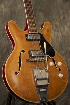 VINTAGE YAMAHA SUPER AXE SA-50 SEMI-HOLLOW GUITAR. Another classic axe. Love semi-acoustics with tremolos - totally Rockabilly in vibe. Not that I'm going to buy this one or anything like that.... :)