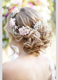 See more ideas about Flower crown hairstyle, Wedding hairstyles for medium hair and Bohemian wedding hair. Bohemian Wedding Hair, Wedding Hair Flowers, Wedding Hair And Makeup, Wedding Updo, Flowers In Hair, Hair Makeup, Bridal Updo, Fresh Flowers, Pink Flowers