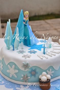 Fantaisies Sucrées: La Reine des Neiges: gâteau d'anniversaire 3D (pâte à sucre) Frozen Birthday Theme, Birthday Parties, Fondant Cakes, Cupcake Cakes, Pastel Frozen, Elsa Cakes, Fantasy Cake, Ice Cake, Crazy Cakes