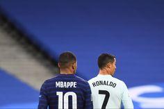Cristiano Ronaldo Cr7, Football Photos, Football Players, Soccer, Collection, Hs Sports, Soccer Pics, Football Soccer, Soccer Players