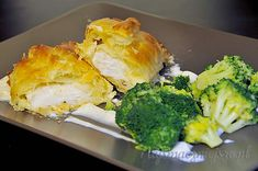 dorsz w cieście francuskim Spanakopita, Broccoli, Chicken, Meat, Vegetables, Cooking, Ethnic Recipes, Food, Kitchen