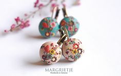 ONE FOR ME, ONE FOR YOU two sets of earrings by Eva Thissen J'aime trop