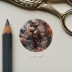 Man, oh man, I've missed painting tiny things! It's so good to be back. Here goes.  Day 33/100 (9/25 #microcosmmondays). The young stars of 30 Doradus in the Tarantula Nebula. ✨ 29 x 29 mm. Photo credit: NASA, ESA, ESO, D. Lennon and the Hubble Heritage Team. #paintingsforants #potluck100pfa #miniature #watercolour #art #tarantula #nebula #nasa #space