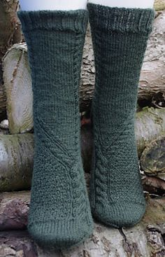 Ravelry: Vereinigt pattern by Susanne Kölling Loom Knitting, Knitting Socks, Free Knitting, My Socks, Cool Socks, Little Cotton Rabbits, Knit Stockings, Cosy Outfit, Knitted Slippers