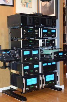 hiend Audio rooms McIntosh My dream stereo system Audiophile Speakers, Hifi Stereo, Hifi Audio, Audio Design, Speaker Design, Som Retro, Mc Intosh, Pc Photo, Audio Rack