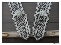 Megetar: Sydänpolku -kirjoneulesukat Knitting Socks, Knit Socks, Mittens, Tapestry, Crochet, Malli, Fashion, Fingerless Mitts, Hanging Tapestry