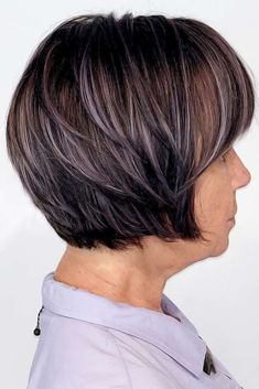 Check out the best short haircuts and hairstyles for women over This age doesn`t mean it's time to settle for boring hair. Hair Styles For Women Over 50, Short Hair Cuts For Women, Short Hairstyles For Women, Medium Hair Styles, Short Hair Styles, Short Haircuts, Hairstyles Haircuts, 1940s Hairstyles, Casual Hairstyles