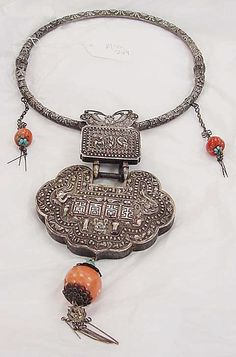 Necklace Date: probably century Culture: Chinese minority (Miao) Medium: metal, coral, turquoise Art Deco Jewelry, Metal Jewelry, Jewelry Shop, Jewelry Crafts, Silver Jewelry, Handmade Jewelry, Jewelry Design, Hippie Jewelry, Tribal Jewelry