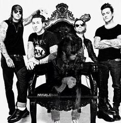 Avenged Sevenfold ❤  this hurts.