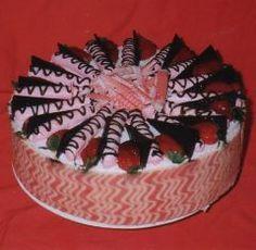 Strawberry torte once-upon-a-cake.com