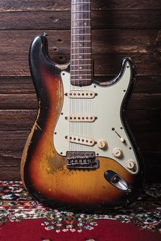 Fender Stratocaster, Fender Guitars, Strat Guitar, Bass Guitars, Acoustic Guitars, Learn Guitar Chords, Music Guitar, Guitar Amp, Cool Guitar