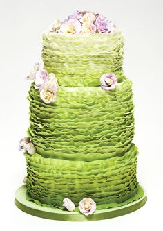 patricias-cake-creations-ruffle-wedding-cake | Weddingbells.ca