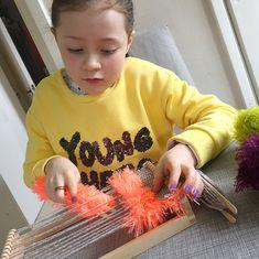 mollymoocrafts.com - Introducing Weaving To Kids