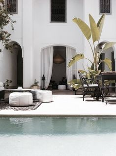 the perfect exotic lounge.riad courtyard with a pool. {Riad in Marrakech} Outdoor Rooms, Outdoor Living, Outdoor Decor, Outdoor Lounge, Outdoor Seating, Exterior Design, Interior And Exterior, Riad Marrakech, Estilo Tropical