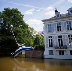 barco al agua!! wtf by miraquechulo