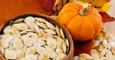 Delicious and Healthy Pumpkin Seed Recipes. A healthy flavored snack after you finish carving your pumpkin Pumpkin Seeds Benefits, Toasted Pumpkin Seeds, Pumkin Seeds, Healthy Eating Tips, Healthy Snacks, Healthy Recipes, Diabetic Snacks, Stay Healthy, Healthy Fats