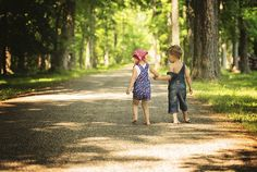 Twin photography, Summer photography, spring photography, child photography, twin poses, photography