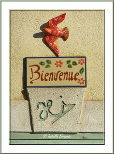 Provence, la déco sur les façades... https://www.facebook.com/pages/Mistoulin-et-Mistouline-en-Provence/384825751531072