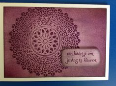 Mimi : Distress ink + embossing poeder