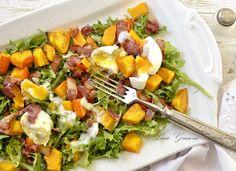 Jakmile se ochladí, většina lidí přestane mít chuť na studené zeleninové saláty. Tak proč si nepřipravit teplý zeleninový salát?