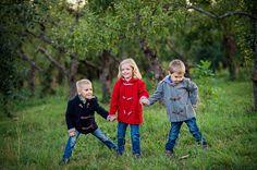 Ярко – позитивная и в тоже время, стильная и удобная детская одежда от украинского производителя PAPERINA в новом сезоне оденет мальчиков и девочек в ворсистые пальто из коллекции «SOFT», отличительной чертой которых является необычайная фурнитура и изысканные детали. Комфортная одежда для детей,