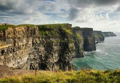 From the dramatic Cliffs of Moher to regal Powerscourt Estate in Wicklow, escape to 32 of the most beautiful places to visit in Ireland. Beautiful Places To Visit, Most Beautiful, Outfits For Spain, Ireland Travel Guide, Tourism Ireland, Road Trip, Cliffs Of Moher, Vacation Packages, Explore