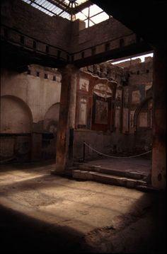 Herculaneum: College of Augustales