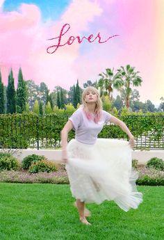 """You look lovely! Taylor Swift 壁紙, Estilo Taylor Swift, All About Taylor Swift, Long Live Taylor Swift, Taylor Swift Videos, Taylor Swift Pictures, Robert Kardashian, Khloe Kardashian, Kendall"