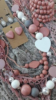 Fabric Jewelry, Diy Jewelry, Jewelry Sets, Beaded Jewelry, Jewelery, Jewelry Making, Beaded Bracelets, Wooden Bead Necklaces, Wooden Beads