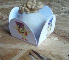 Forminhas para doces com estampa Keka Moranguete e ,ou personalizadas. www.kekamoranguete.com