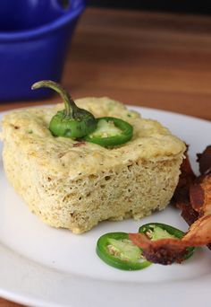 Jalapeno Popper Mug Cake. A delicious and super simple #keto lunch for anyone that's got a busy day ahead! Shared via www.ruled.me/