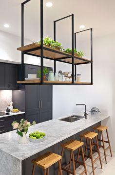 Small Kitchen Bar, Very Small Kitchen Design, Kitchen Bar Design, Open Kitchen And Living Room, Space Saving Kitchen, Small Kitchen Cabinets, Small Apartment Kitchen, Small Kitchen Storage, Home Decor Kitchen