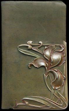 Esmerado: Carteira em prata, Art Nouveau                                                                                                                                                                                 Mais
