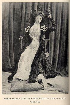 Remembering the Father of Haute Couture.Franca Florio βασίλισσα της Σικελίας γραμμή S προτομή περιστέρι.