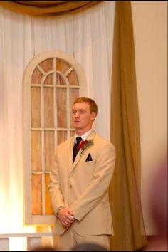 Fall wedding groom