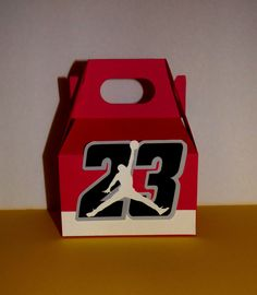 Inspired by Air Jordan, Basketball Favor Box, Candy bag  Sold in groups of: 1, 6, or 12  The perfect favor box for lots of fun goodies!  S I Z E