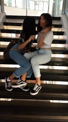Cute Friend Pictures, Best Friend Pictures, Friend Tumblr, Tumbrl Girls, Cute Lesbian Couples, Cute Friends, Tumblr Photography, Best Friend Goals, Best Friends Forever