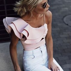 Cute Outfits To Wear This Spring - - 62 Outfits For Casual Occasions in Spring 2019 Style Casual, Preppy Style, Summer Fashion Trends, Spring Summer Fashion, Spring Style, Summer Chic, Summer Trends, Looks Style, Street Style Looks