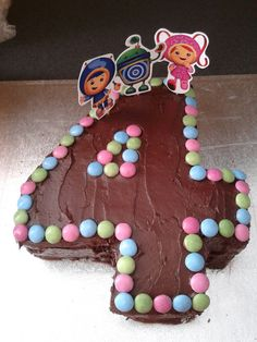 #4 Shaped Team Umizoomi Cake [Can place 24 cupcakes into #4 shape and then apply icing/fondant characters]