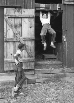 LIFE photographer Alfred Eisenstaedt produced an illustrated version of the classic school assignment