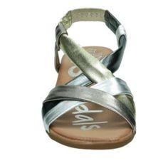 . Sandalia entera de piel Muy c�moda Sandalia de 4 cm de tac�n Las tiras de piel se ajustan como un guante Mas modelos en  www.cary-shoes-urban.com