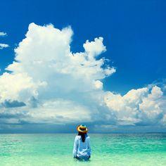 Gili Labak, Madura. Perfect beach for sun bathing 🌞 #exploremadura #exploreindonesia #indonesia_photography #indonesiantraveler #instanusantara #indotravellers #indonesiajuara #indonesiaparadise #wu_indonesia #livefolkindonesia  #kelilinginusantara #travelingindonesia #thisisindonesia #inimadura #kerengan #lingkarindonesia #beforeidie #discoverearth
