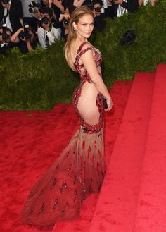 See Jennifer Lopez's 2015 Met Gala  Love the dress but I could do with the side cut out a little less.